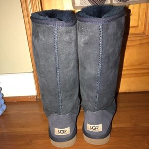 Navy blue, Size 7, Tall style Uggs